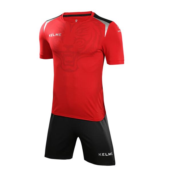 futbolnaya-forma-kelme-short-sleeve-football-set-krasno-chyornaya-3871006-611
